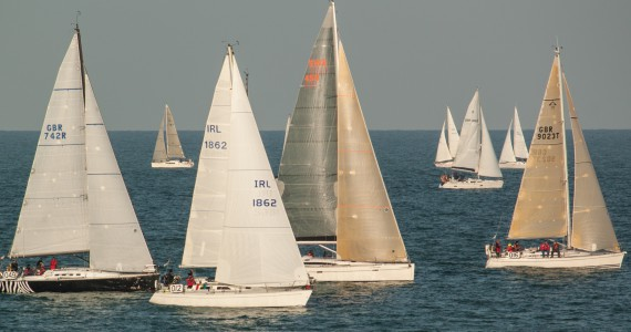 image of yachts starting the Royal Escape Race 2015