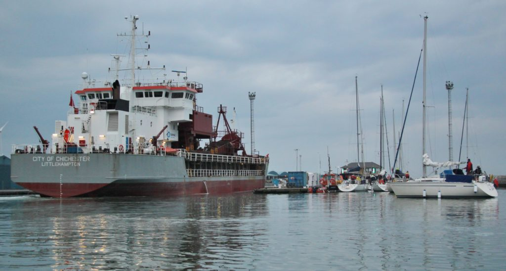 image of City of Chichester approaches the lock, Shoreham Harbour