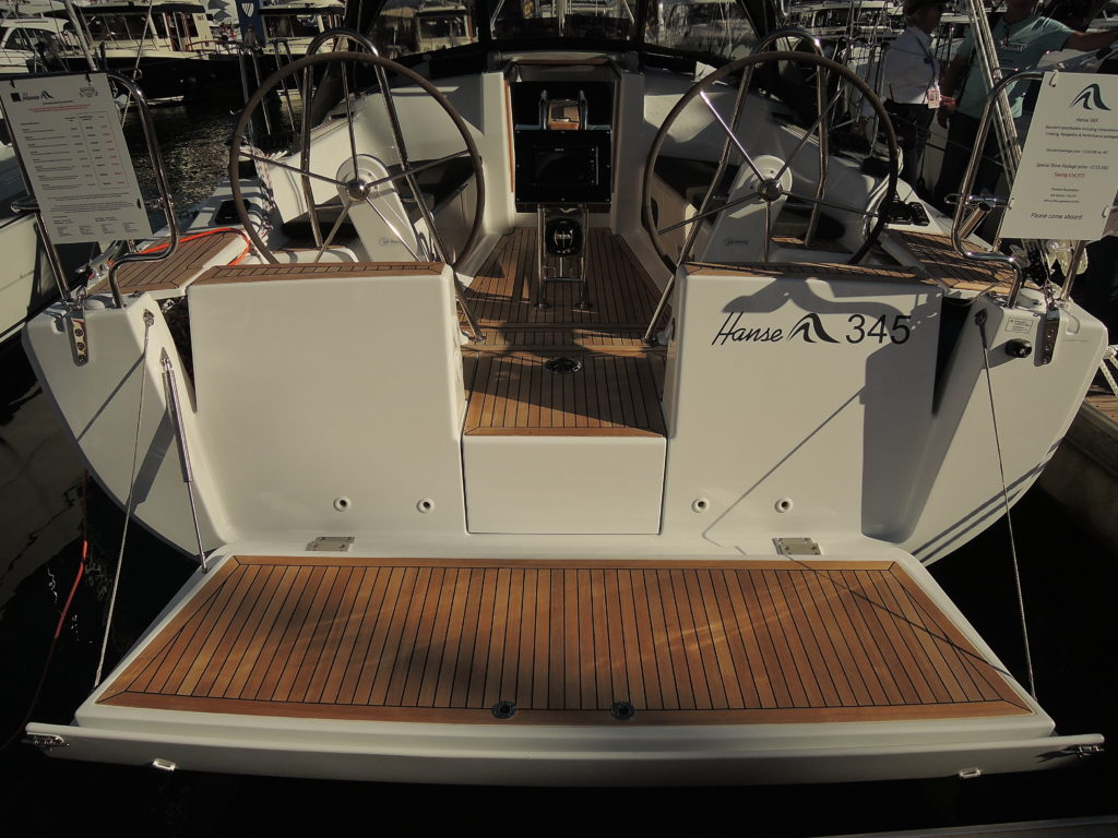 image of Hanse 345 dual wheel and easy boarding.