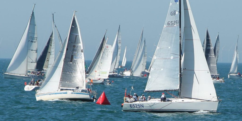 image of Fecamp Royal Escape Race 2017 yachts jostling before the start