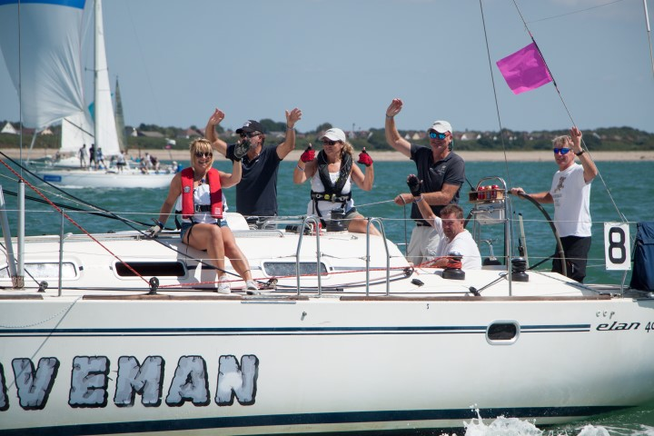 image of Caveman's crew gives a wave at Lendy Cowes Week 2018 - Day 5